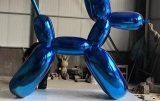 2 m balloon dog statue