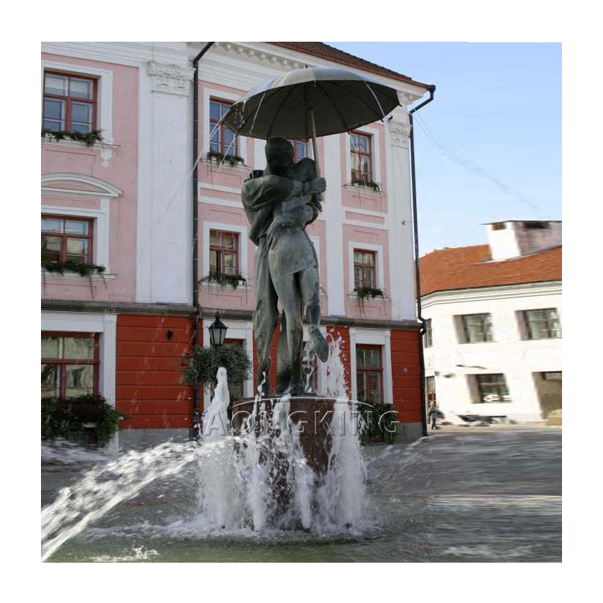 The kissing student fountain (2)